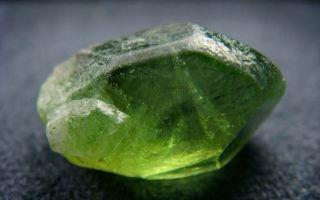 Оливин — ювелирный камень