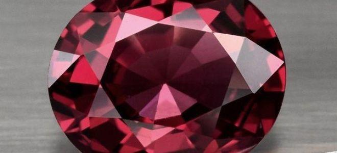 Камень Родолит — розовый гранат