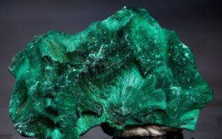 Камень Малахит: свойства, кому подходит и фото