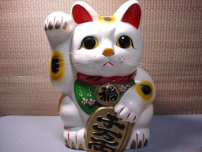 Кошка удачи Манеки-неко