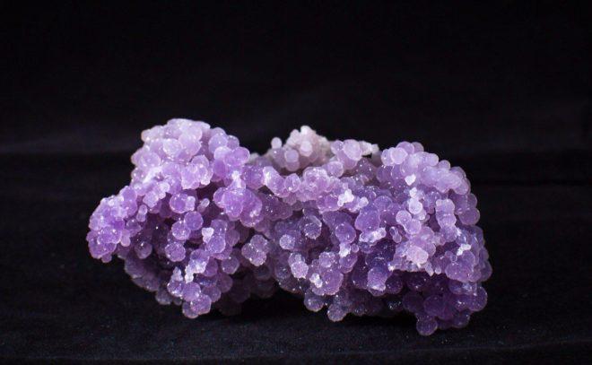 Светло фиолетовый камень название